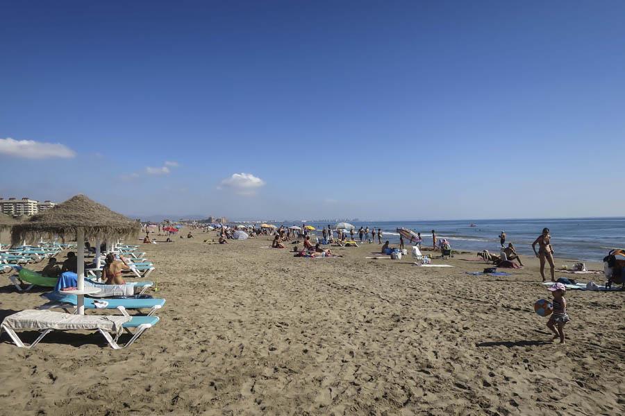 vacaciones verano valencia playa malvarrosa