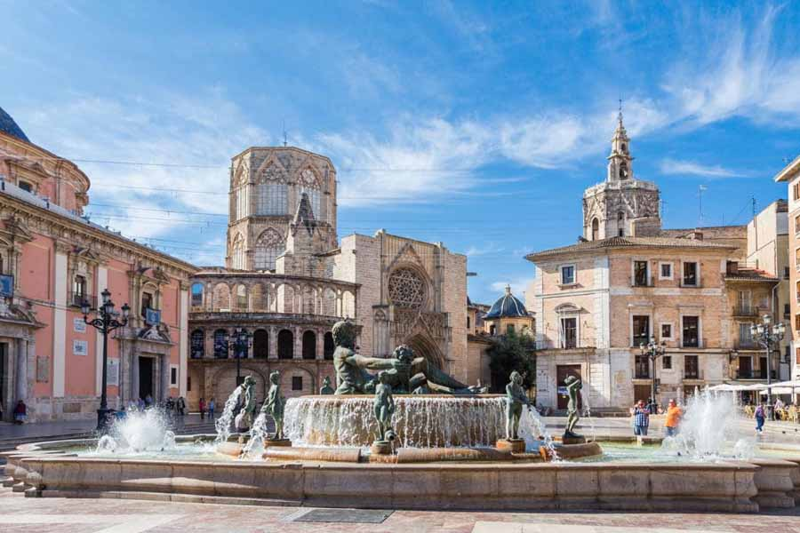 weekly and monthly rentals in Valencia: apartments and chalets