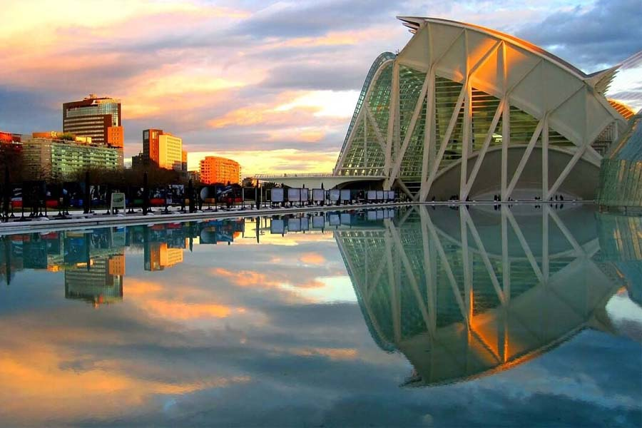 weekly and monthly rentals in Valencia (Spain)