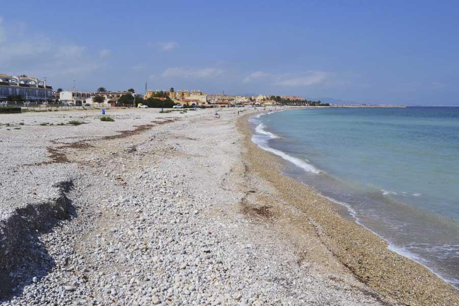 Denia en una excursión de un día con niños desde Valencia: playas.