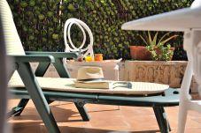 Apartamento en Port Saplaya, zona residencial para disfrutar de Valencia playa durante las vacaciones.